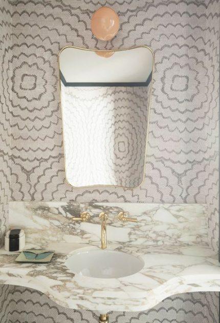 کاغذ دیواری قابل شست و شو با طرحی زیبا و ملایم